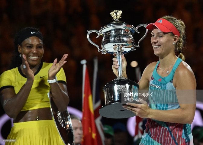 Serena Williams celebrates Angelique Kerber's victory at the Australian Open. (Credit: Getty Images)